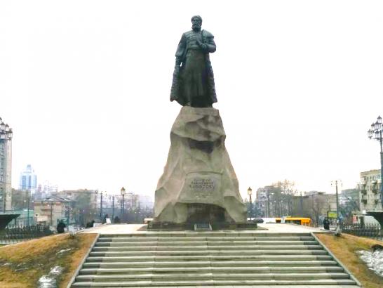 Khabarovsk-statue